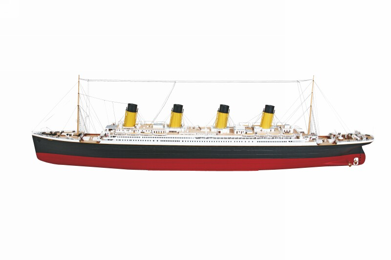 Navomodel Graupner Premium: TITANIC (complet asamblat)